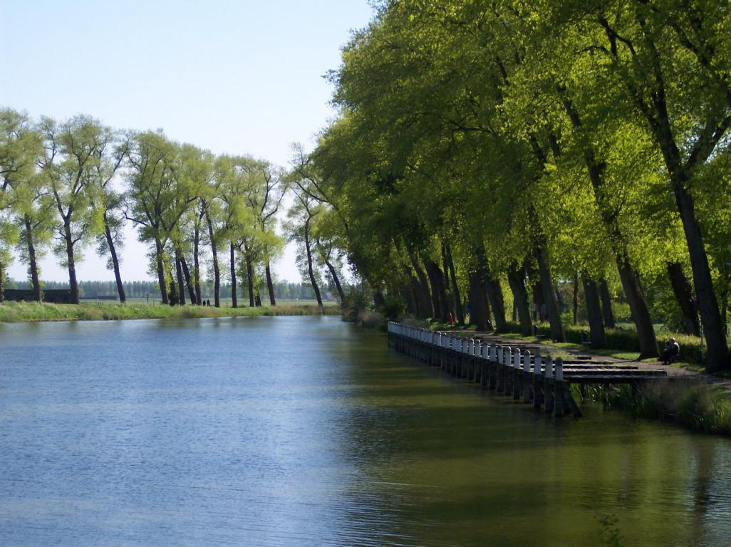 Kanal zwischen Sluis und Damme