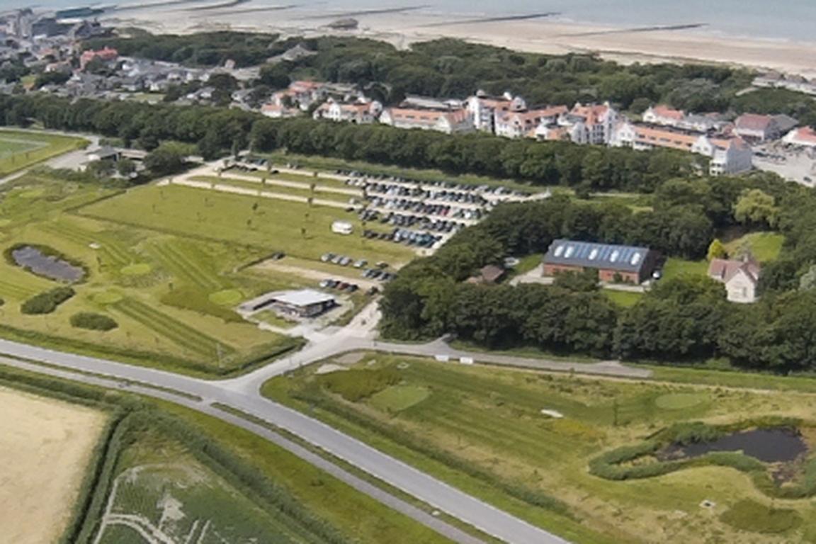 Aus der Möwenperspektive: 9-Loch-Golfanlage Cadzand-Bad