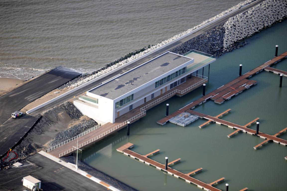 Neues Jachthafengebäude Cadzand-Bad