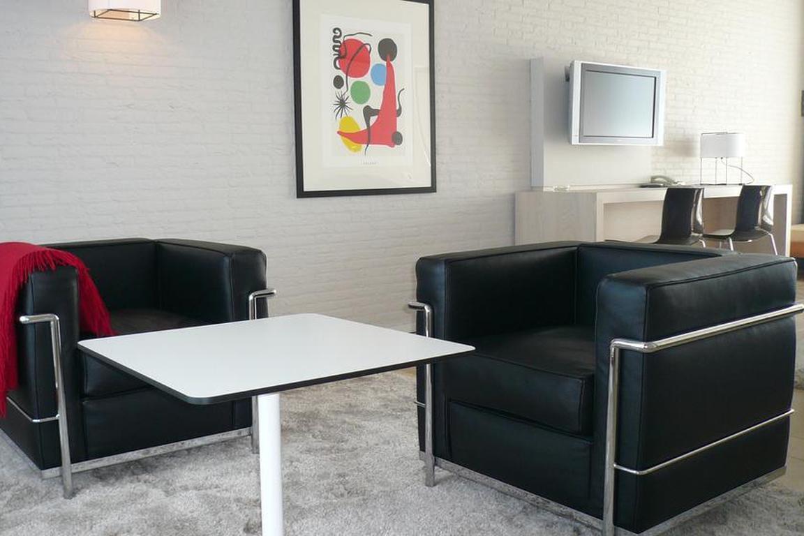 """Im Bauhaus-Stil: Hotel """"de Milliano"""" in Breskens"""